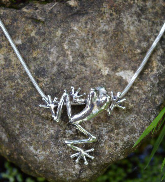 Small, Long Leg Frog Pendant