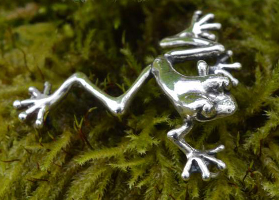 Small, Long Leg Frog Ornament