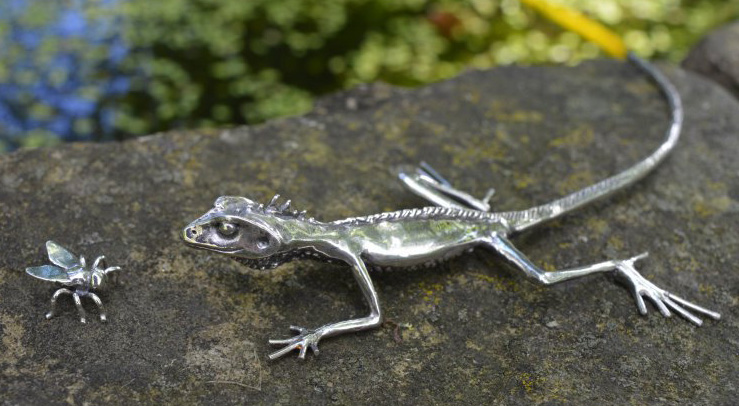 Lizard Ornament with Fly