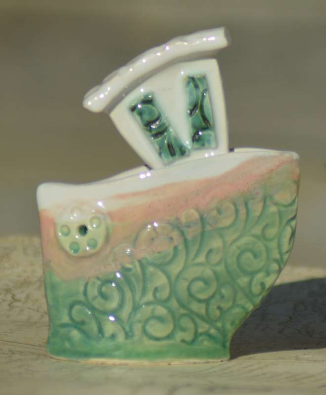 Pink-Green Scroll Texture Boat with 1 Porthole