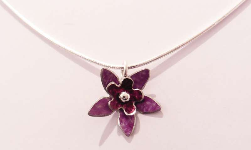 Mauve and berry double flower necklace