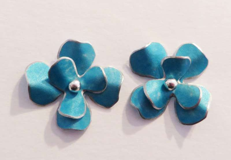 Turquoise rosa flower stud earrings