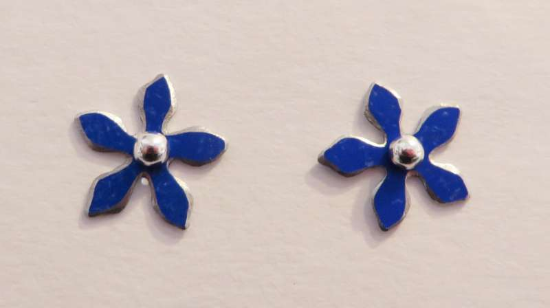 Royal blue flower stud earrings