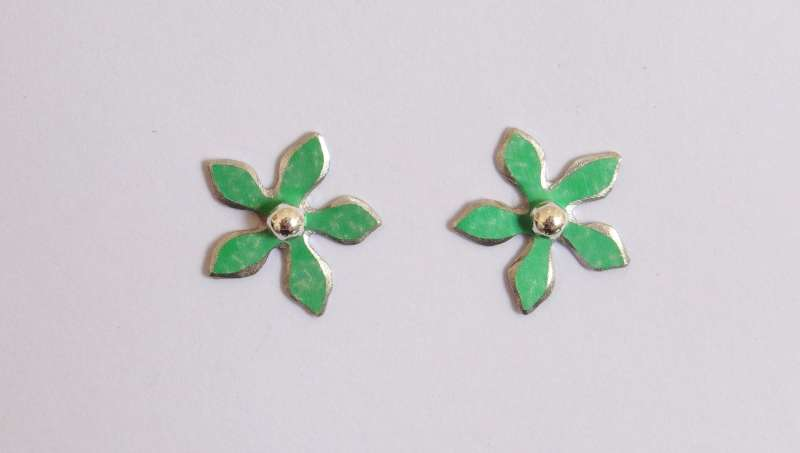 Jade green flower stud earrings