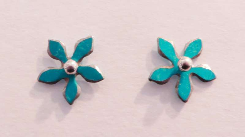 Turquoise flower stud earrings