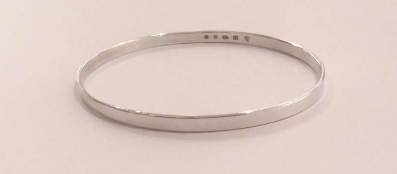 Smooth silver band bracelet