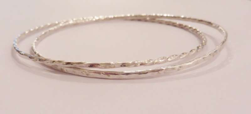 Locked textured silver bracelets