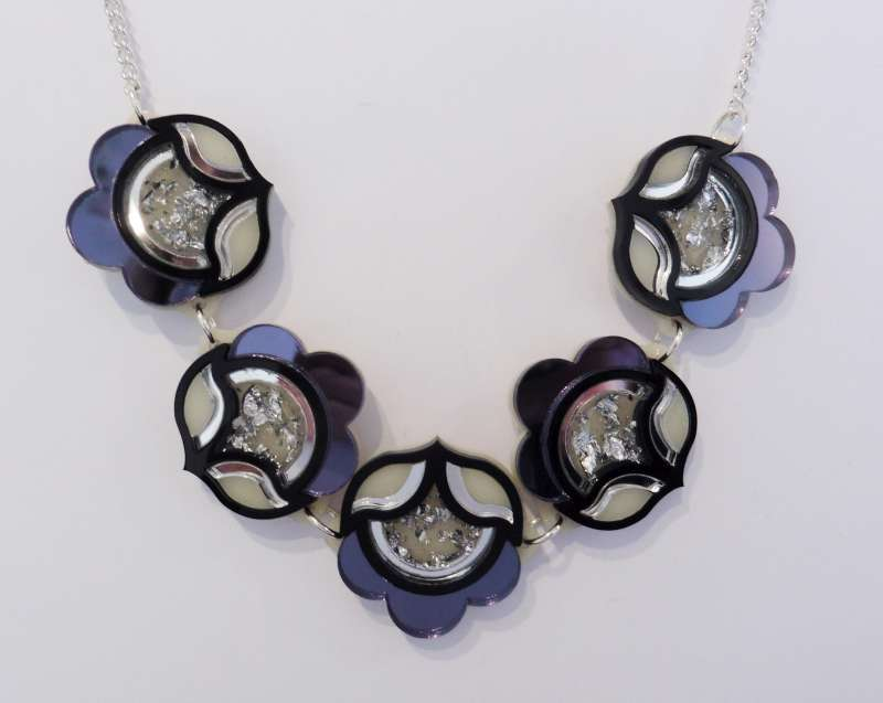 Flora link necklace - black and silver