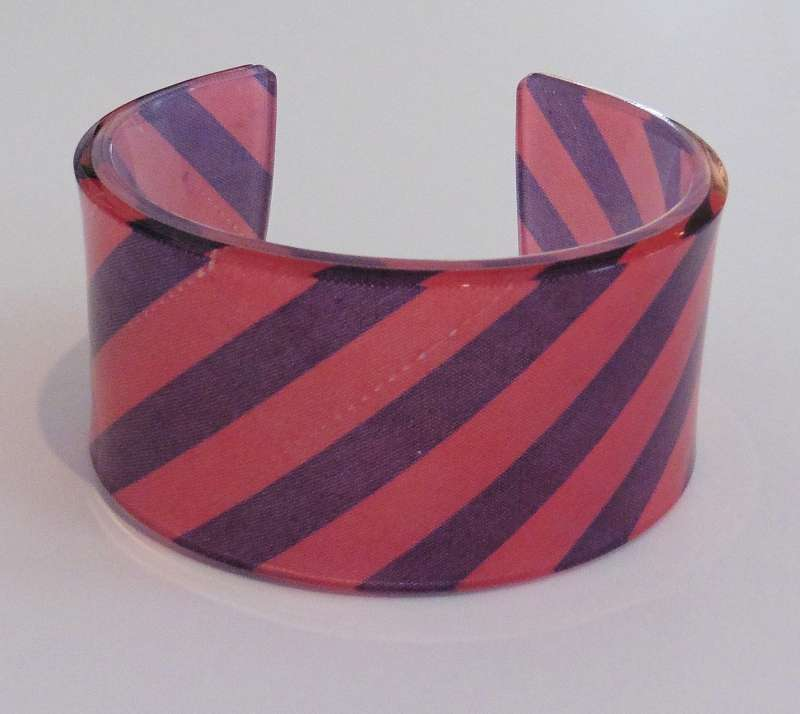 Old school tie cuff - blue and red stripes